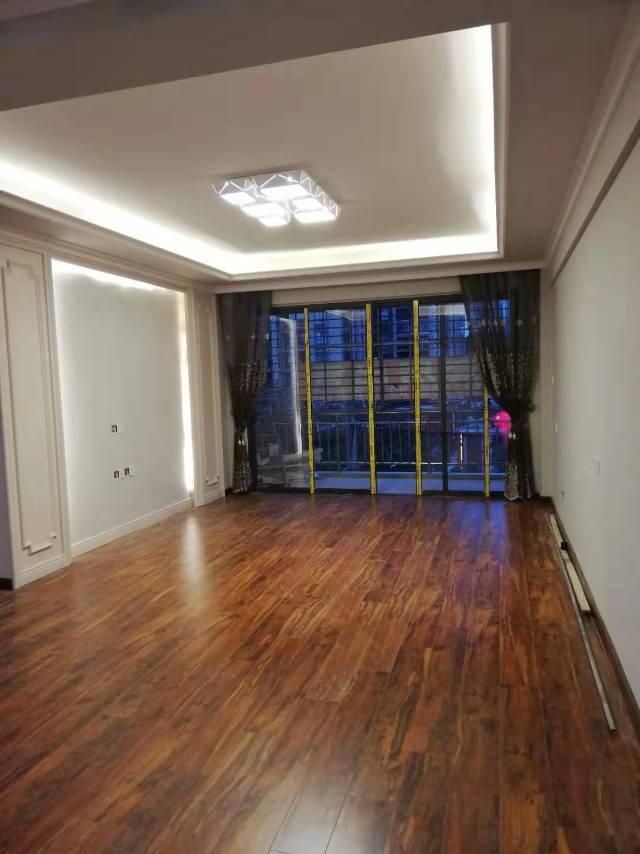 春满城二期3室2厅2卫119.00平方56.00万
