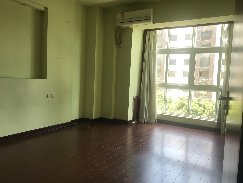 淮云阁4室2厅2卫300平方7000元/月