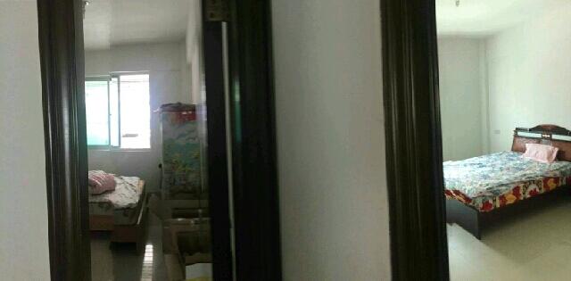 逸涛商住城3室1厅1卫143.00平方70.00万
